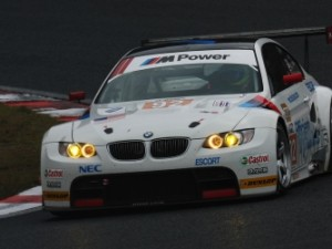 picture of a BMW racing car